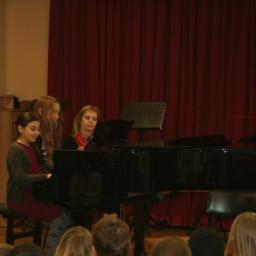 Klavir štiriročno: Marta Lajevec Nina Baškovec 11. 2. 2015