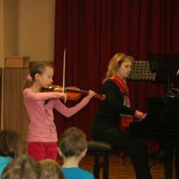 Klara Kliček, violina 11. 2. 2015