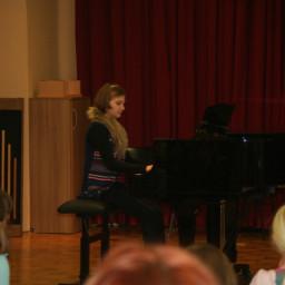 Pia Hawlina, klavir 18. 2. 2015