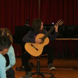Jerca Sedmak, kitara 18. 2. 2015