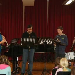 Kvartet klarinetov: Lenart Malavašič Rok Trtnik Žiga Abram Jakob Bobek, prof. 18. 2. 2015