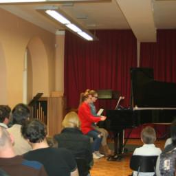 Klavir štiriročno: Klara Simetinger, Zala Mlinarič