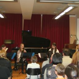 Kvartet kljunastih flavt: Hana Marija Kosovinc Petra Cimerman Maruša Jaklič Valerija Todić