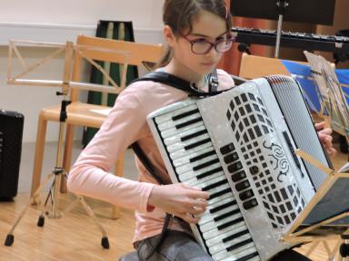Razredni nastop učencev harmonike