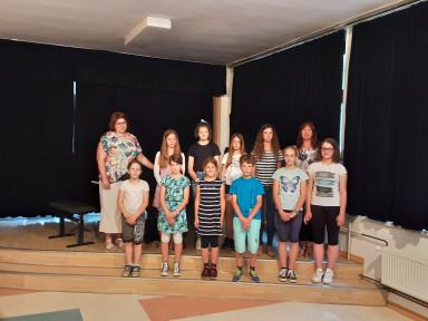Šolski nastop učencev GŠ Tolmin iz Podbrda