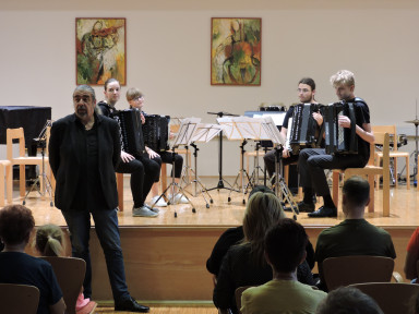 Orkestrski večeri 19 - Harmonikarski orkester GŠ Tolmin in Mlajši godalni orkester GŠ Tolmin