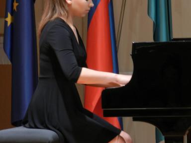 Lara Flander