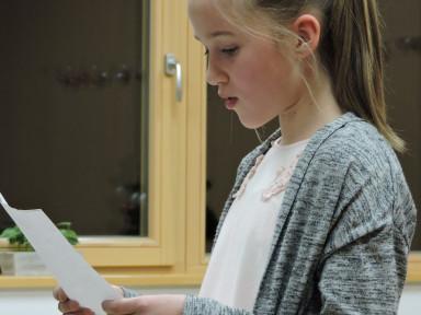 Vsak učenec je prebral eno pesem.  Evita Ivančič