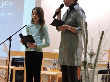 Erika Bizjak in Maša Mežnar sta koncert povezovali