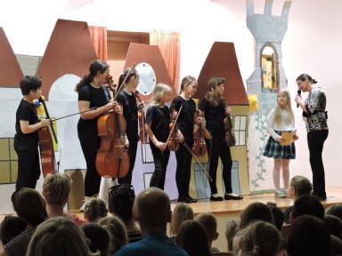Zaigrale so nam violine in violončela iz družine godal.