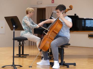 Razredni nastop učencev violončela