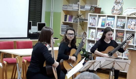 Nastop v knjižnici OŠ Petrovče, 24. 11.…
