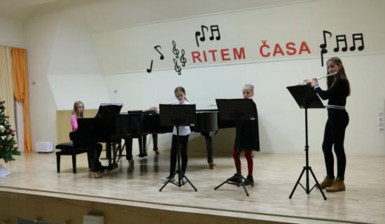 Božični nastop - Melita E. Villasanti in…
