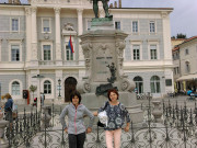 Frančiška Švab z učiteljico Hermino Jakopič v Piranu